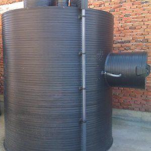 Rezervoar za skladistenje nafte sa zastitom pumpe za istakanje
