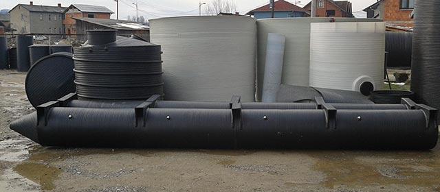 Plastični pontoni za katamarane, trimarane i kvatromarane