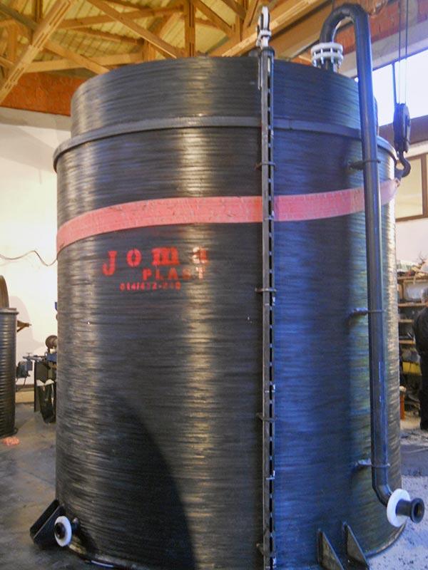 Plastični-rezervoar-sa-duplim-zidom