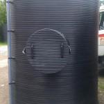 Plastcni-rezervoar-za-skladistenje-nafte-sa-zastitom-pumpe-za-istakanje-V-3000l