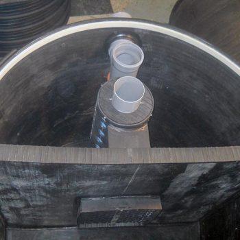Plasticni separator