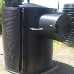 Vertikalni-rezervoar-za-skladistenje-goriva-sa-zastitom-pumpe-za-istakanje